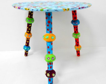 """vintage coffee table """"flowers"""" 3 compass feet and colored balls- 22 X 22 inch X h-19 inch"""