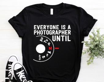 84de62f29 Photographer Shirt ∙ Photography Shirt ∙ Camera ∙ Photography Lover ∙  Everyone Is A Photographer Until Manual Mode ∙ Softstyle Unisex Tee