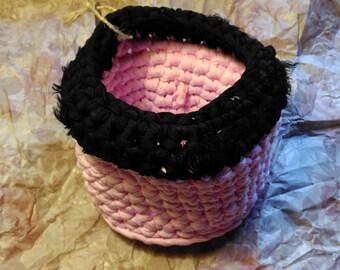 Original y práctica cesta de trapillo de tamaño medio, apta para almacenaje pequeño, vaciabolsillos, bote de lápices, frutos secos, etc