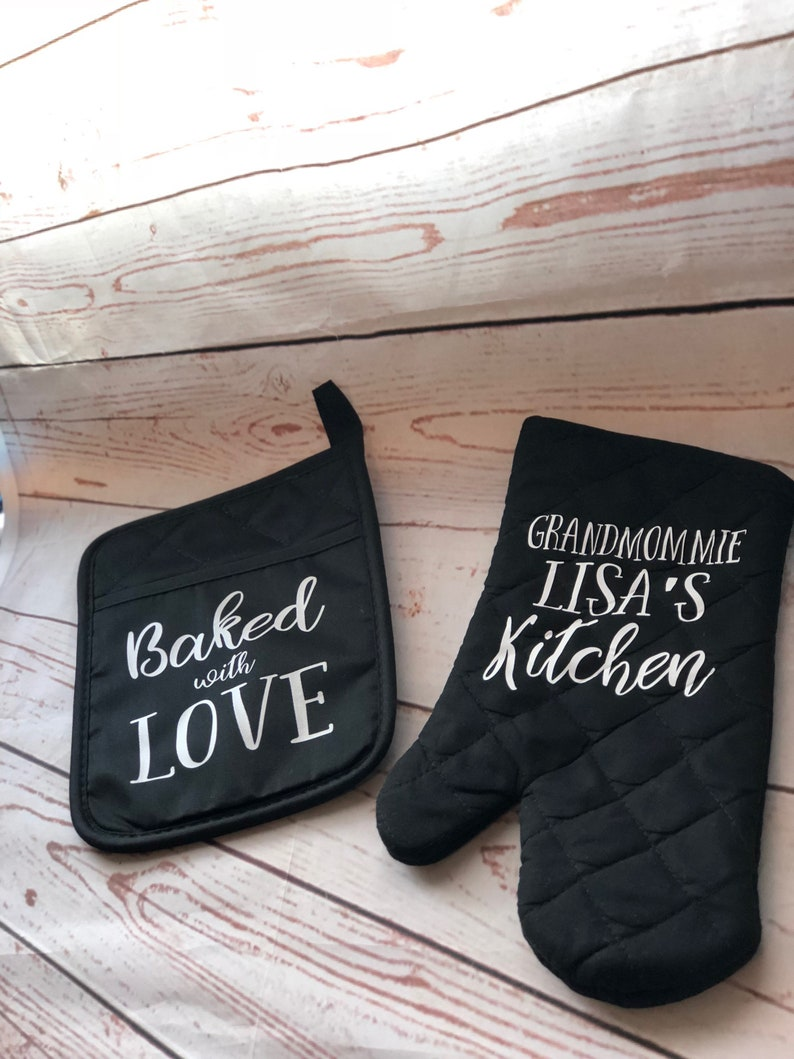Gift for Mom Unique Gift Valentines Day Gift Personalized Pot Holder Gift for Teacher Personalized Oven Mitt Kitchen Mitt