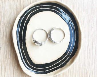 Organic Ring Dish