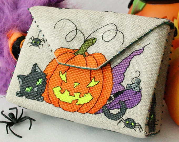 Featured listing image: Halloween Purse (PDF pattern)