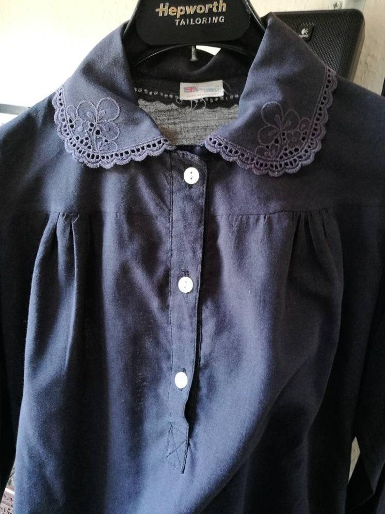 Pretty collar Size 10 Grey Vintage shirt