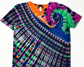 Women's Medium Radiating Swirl Planet Amethyst Sapphire Orange Emerald Tie Dye T-Shirt.