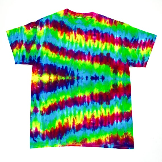 3cb480c55ce SALE Rainbow Waves Tie Dye T-Shirt Size Medium