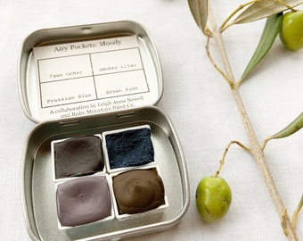 Airy Pockets: Moody. A special collaboration palette