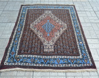 Vintage persian rug. Vintage small size rug. Persian rug. Blue accent Persian carpet. Free shipping. 5.2 x 4.1 feet.