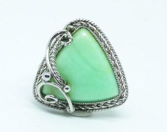 Chrysoprase triangular filigree vintage ring, Ring size 9,  triangular green stone ring, chrysopal ring, gemstone ring, triangle stone ring
