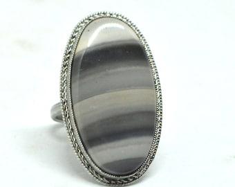 Flint filigree vintage steel ring, Vintage ring with Flint, Ring size 8, Black gray stone ring, gemstone ring