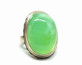 natural chrysoprase ring size 9, Chrysopal ring, asparagus stone ring, Statement ring, Silver ring with chrysoprase, Magic green stone ring