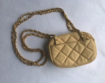 a213fc2ed2309e Butter cream quilted leather chain link purse
