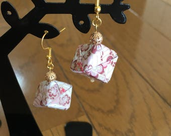 Floral cube earrings