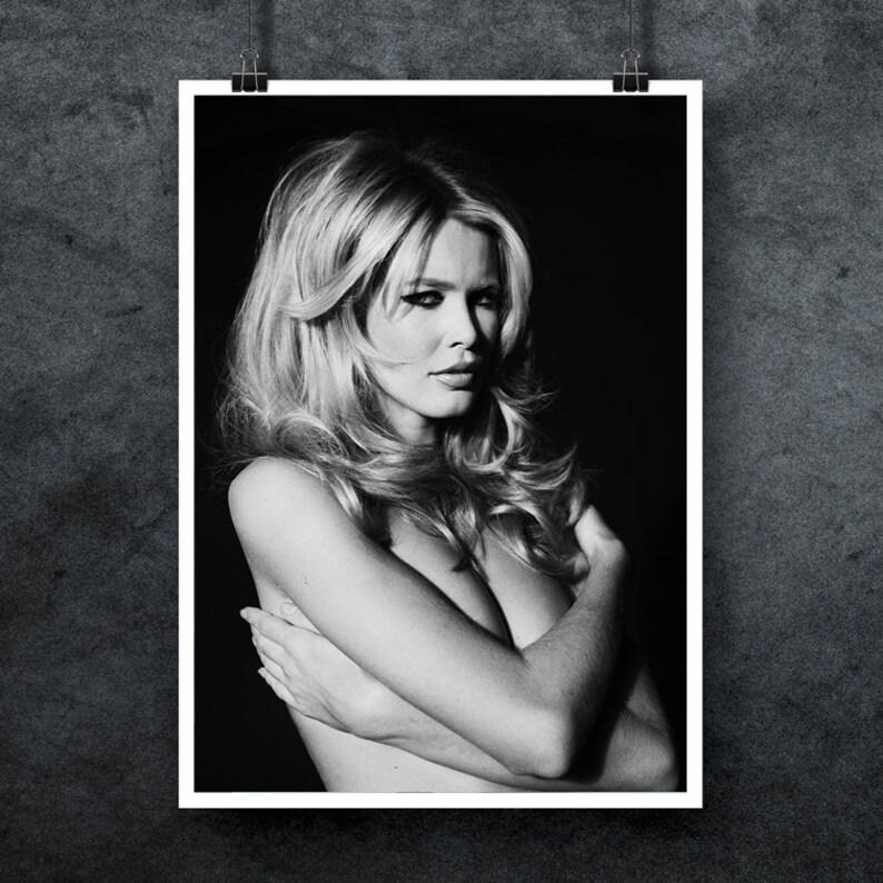 FREE POSTAGE - Claudia Schiffer Print, Super Model, Cover Girl, Vogue  Magazine, Love Actually, Brigitte Bardot, Black and White Photography