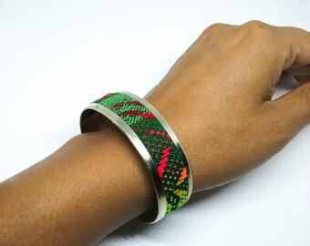 Peruvian textile bracelet. Alpaca silver bracelet. Peruvian vintage textile cuff bracelet.