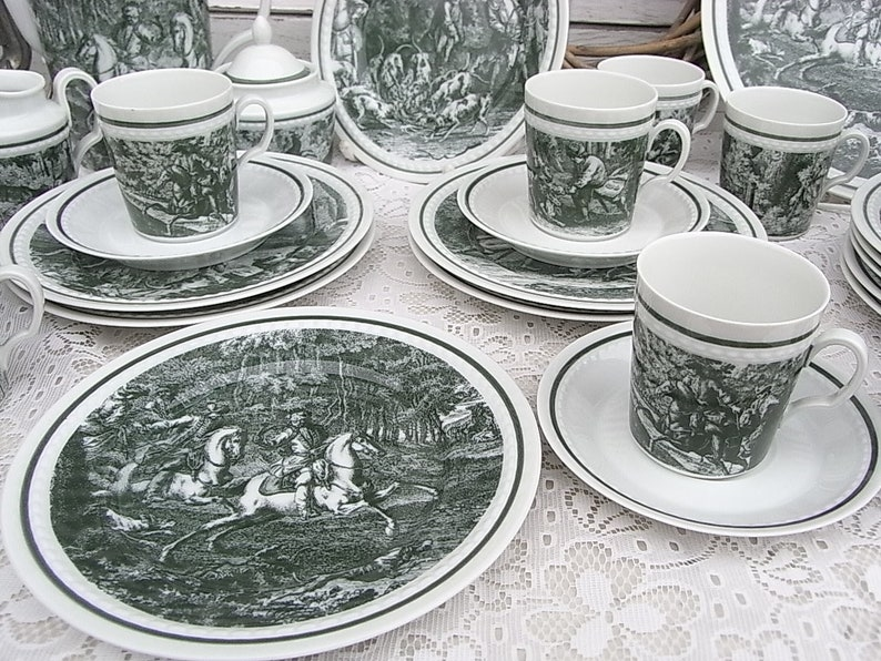 hunting tableware with historical copper engravings castle Corvey Jerome nobles on a drift hunt company F\u00fcrstenberg Coffee service for 6 people