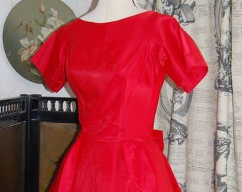 Vintage red satin ballgown / dress  10