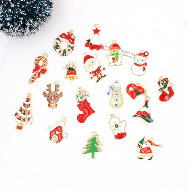 Lot Christmas snowman  Alloy  Charms Jewelry DIY Making Pendants Accessories
