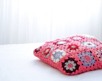 Handmade knit cushion/Pillow included/Throw Pillow/50x50cm/Valentine's Day gift/Pillow for babies/Kid Pillow/Decorative wool Pillow