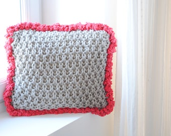 Handmade knit cushion/Pillow included/Throw Pillow/40x40cm/Valentine's Day gift/Pillow for babies/Kid Pillow/Decorative wool Pillow
