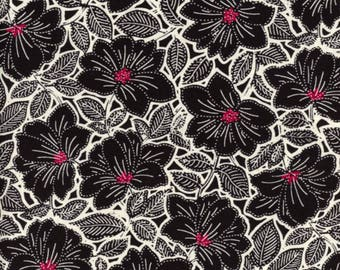 black and white patchwork Floral Maya by STUDIO 8 by Quilting treasures fabric