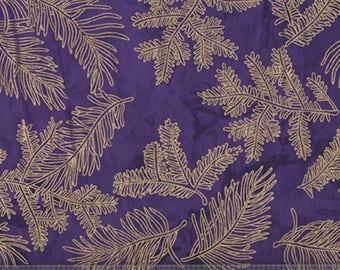 tissu patchwork ultra violet,  Island Batik, Gold Fern Leaf Detail on Grape Mottle