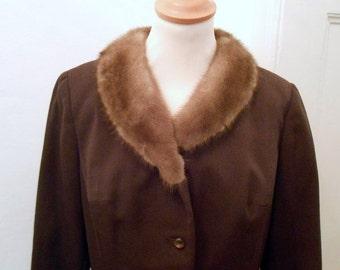 Chic dark brown 60s costume jacket with beige coloured fur