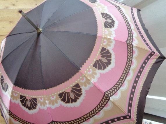 slanted 70s umbrella pink brown