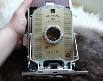 Vintage 1950s Polaroid Land Camera Model 95a with Close Up Lens