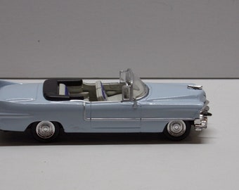1//43 Scale 1953 Cadillac Series 62 Eldorado Convertible Diecast Car Welly 42356