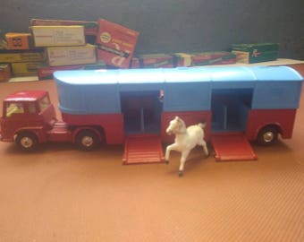 Corgi bedford tracter circus horse trailer die cast 1970s good condition