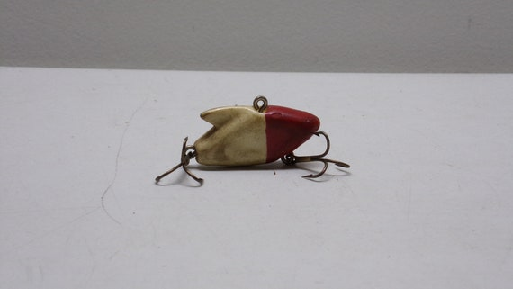 Heddon vintage sonic color red and white from 1950s