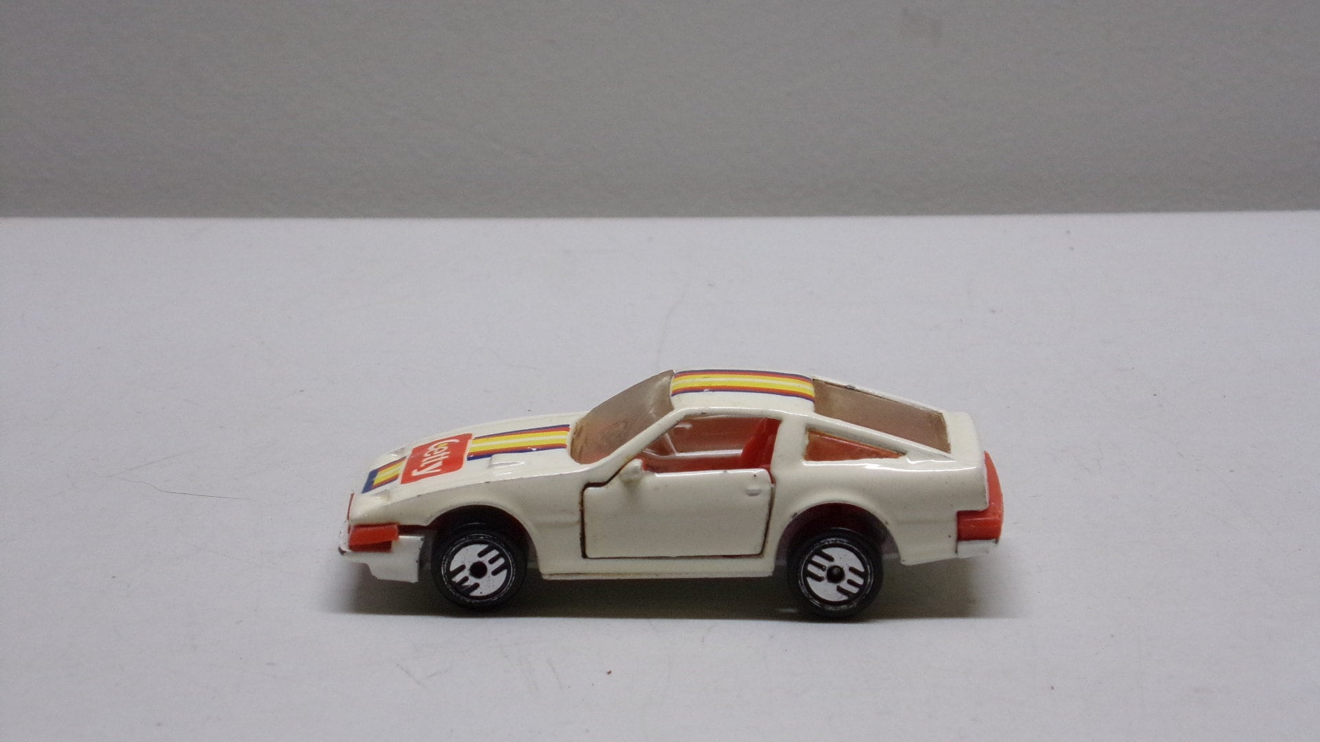Hot Wheels Nissan 300zx Made In 1984 Metal Car Toy Diecast Toys