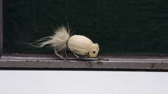 """Mouse vintage fishing lure  2"""" long 1950s"""