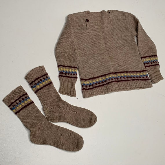 1920's Vintage Hand Knit Childrens Socks and Swea… - image 2