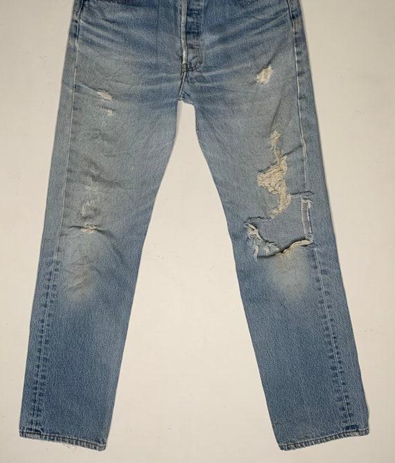 1980's Vintage Levis 501 Distressed Denim Jeans 3… - image 4
