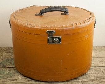 e84ac0d666dea Vintage Leather Hat Box