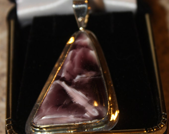 Victoria Stone Pendant in Purple