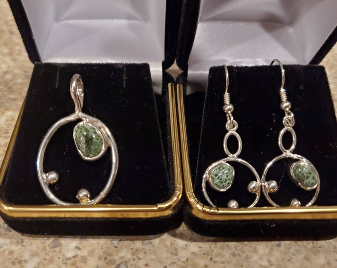 Greenstone pendant and earring set GNE-1