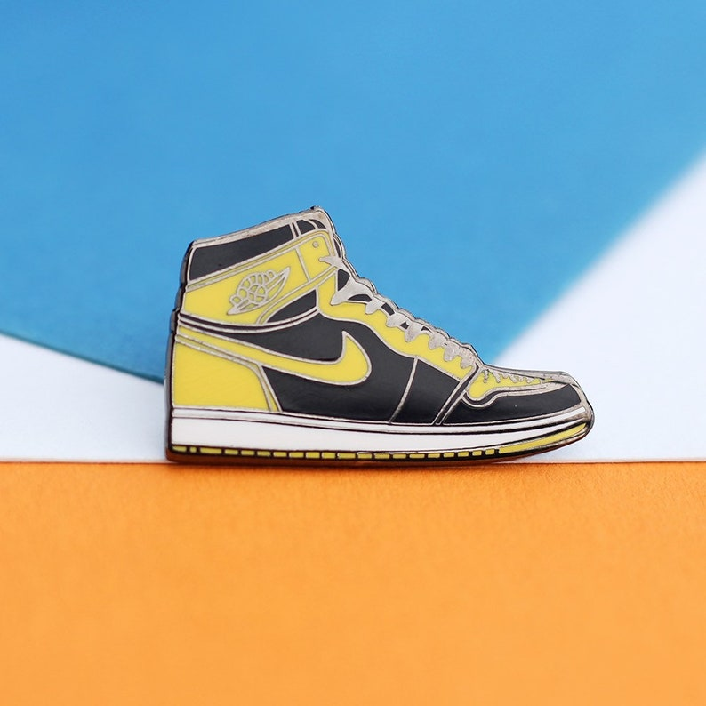 be68d364de352 Yellow and Black Air Jordan 1 Sneaker Hard Enamel Pin