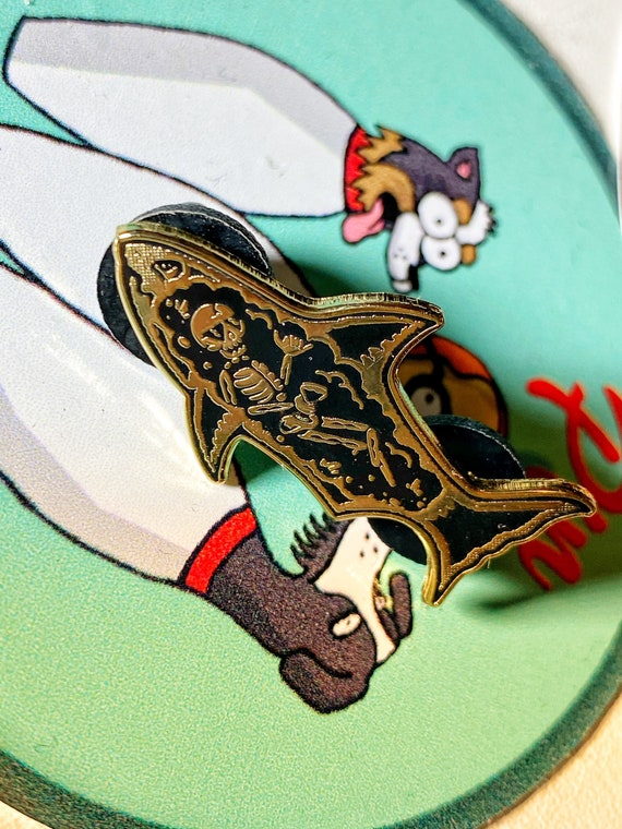 Summer Shark Gold Hard Enamel Pin Skeleton Badge Gift