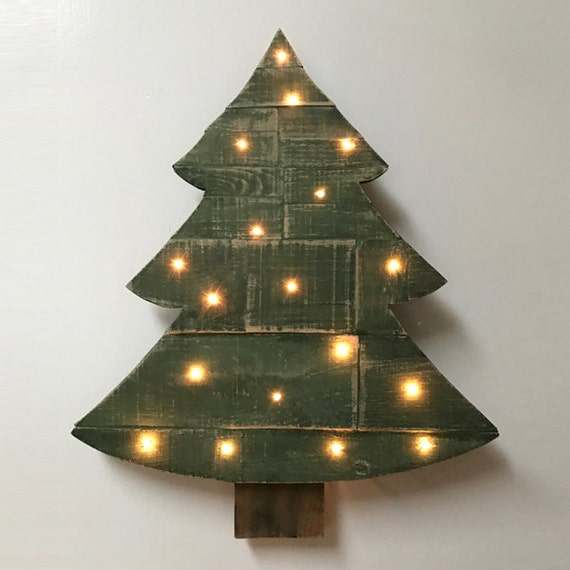 Wood Pallet Christmas Tree.Wood Pallet Christmas Tree