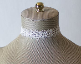 Vintage Lace Choker Necklace. White Choker. Crochet Wide Lace Choker. Lace Crocheted Jewelry. Bridal Choker. White Lace Choker