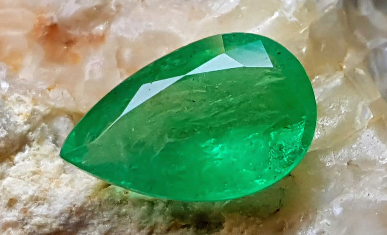 1.05 Carats Natural Pear Shape Emerald Semi Transparent Gemstone Best For Rings From Zambia