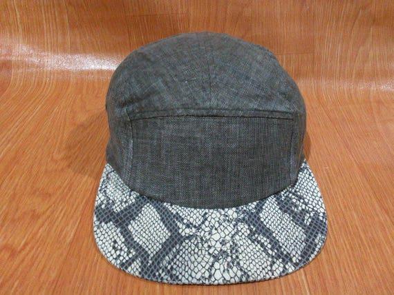 f75e1ee4783 Free Shipping Vintage Snakeskin Kangol Cap Hat Vintage Kangol