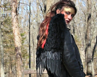 Black Medium Economy Costume Angel Feather Wings - Fits Adults, Teens, Children, Women and Men for Halloween & Cosplay ZUCKER™