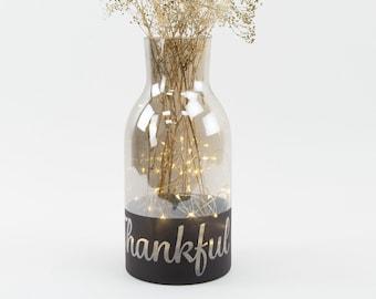 Personalized Flower Vase, Rustic Glass Vase Jug, Smoke Gray Black Chalkboard Bottom, Custom Engraved Flower Vase Wedding Centerpiece ZUCKER®