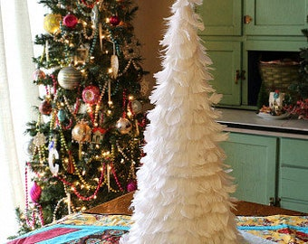 "24"" Decorative White Christmas Feather Tree - White Feather Trees for Holiday Event & Winter Wonderland Home, White Wedding Decor ZUCKER®"