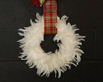 Glittering Decorative Holiday Feather Wreath - Unique Winter White Holiday & Christmas Decor - Christmas - Winter Feather Wreath ZUCKER®