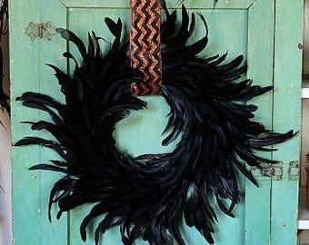 Medium Decorative Black Feather Wreath - Halloween & Fall Thanksgiving Decor, Unique Holiday Decorative Feather Wreath ZUCKER®