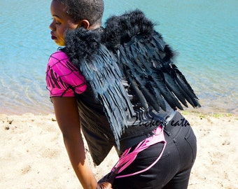 Small Black Economy Costume Angel Feather Wings - Fits Adults, Teens, Children, Women and Men for Halloween & Cosplay ZUCKER®